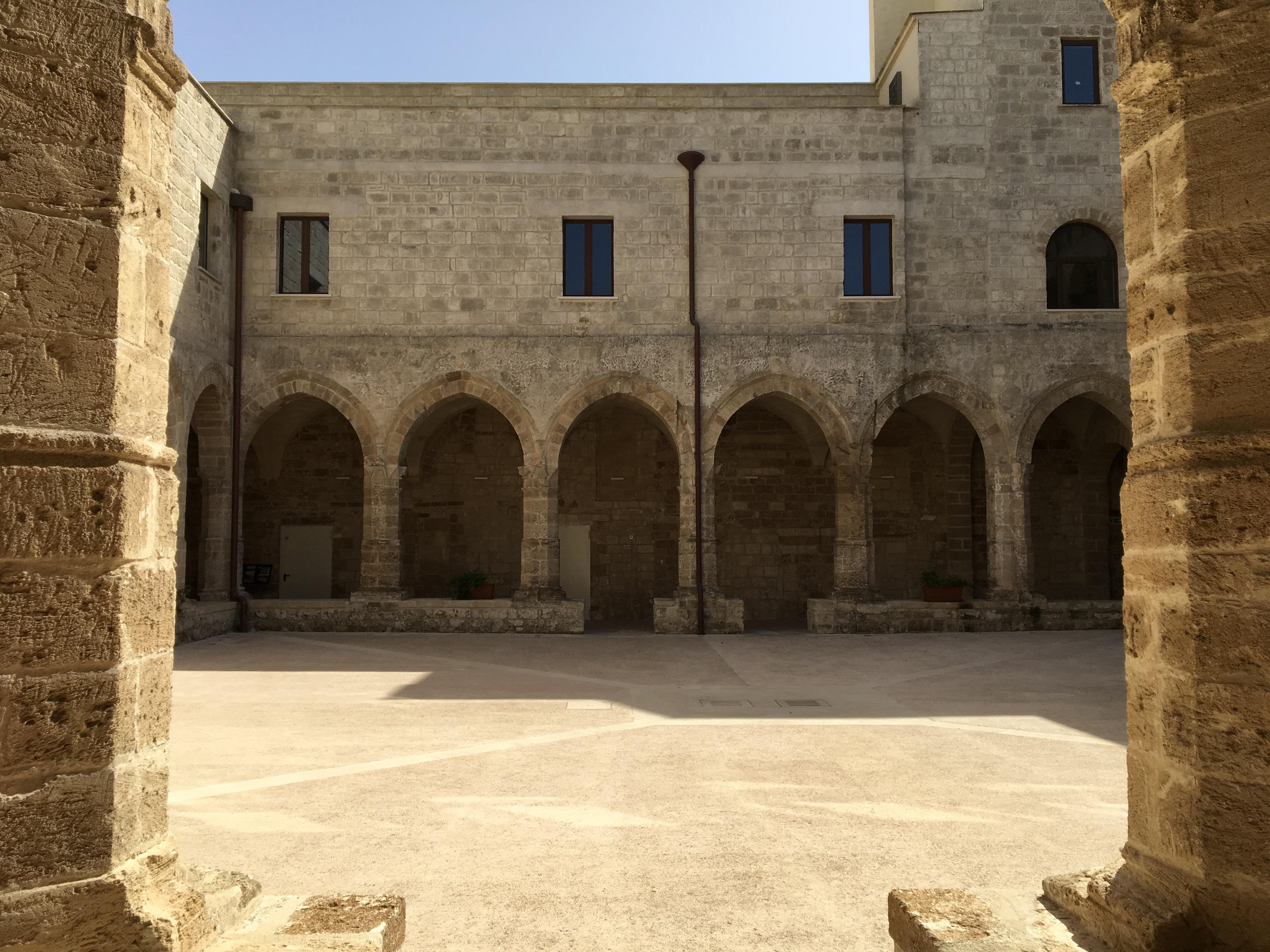 """Fabulism e Ammostro, insieme all'Ex Convento di Sant'Antonio per l'opera """"Hortus Mytilus. Un giardino di reste"""""""