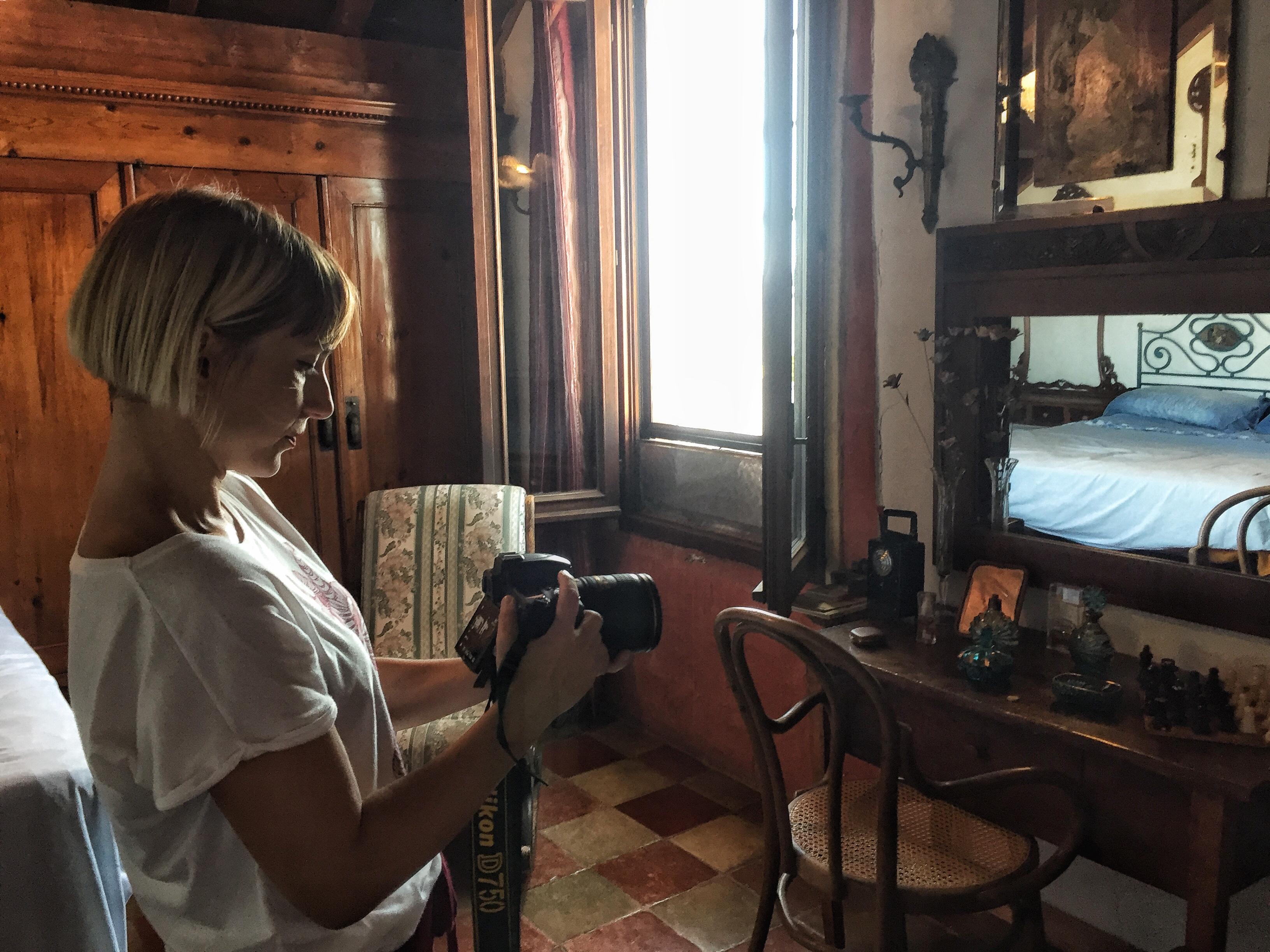 """Maria Grazia Carriero e l'opera: """"Attraversa-menti"""""""